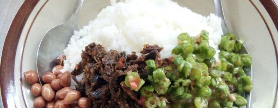 Nasi Belut, Wisata Kuliner Tersembunyi di Lombok