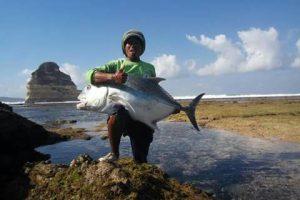 Pantai Sepi, Salah Satu Spot Terbaik Memancing Giant Fish di Lombok