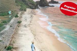 Pantai Seger Lombok, Tujuan Wisata Terbaik di Bulan Februari