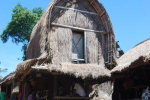 Keunikan Bale Lumbung, Rumah Penyimpanan Hasil Panen Suku Sasak