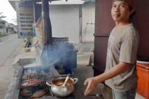 Ikan Bakar Ibu Sauni, Seafood  Murah, Meriah, dan Segar-Sekitar Mataram