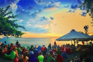 6+ Restauran Pinggir Pantai dengan View Spektakuler Sunset di Senggigi