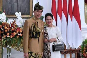 Mengenal Gagahnya Pakaian Adat Sasak yang Dipakai Presiden Jokowi