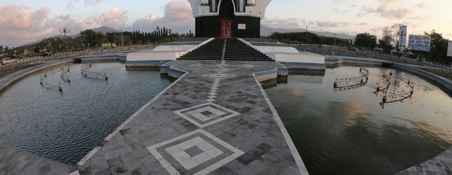 3 Bangunan Megah ini Menyambut Kedatangan Kalian Dari Airport Lombok