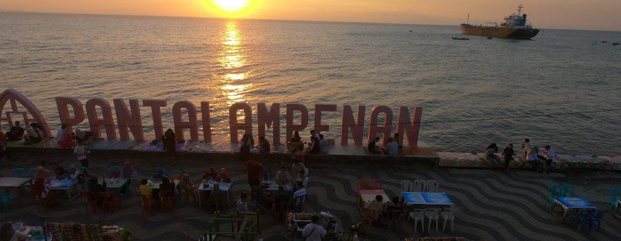 Menyapa Sunset Amazing Bersama Kehangatan Seafood Pantai Ampenan