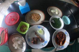 Ayam Rarang, Kuliner Legenda Khas Lombok  yang Bikin Lidah Bergetar