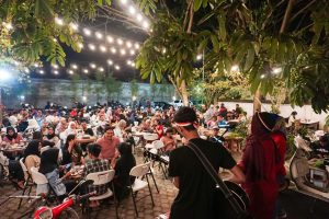 Kepoin 5 Cafe di Mataram dengan design kekinian dan Instagenic